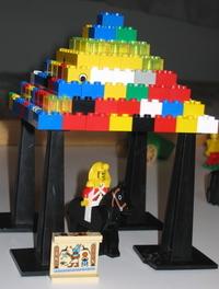 Lego_pyramid